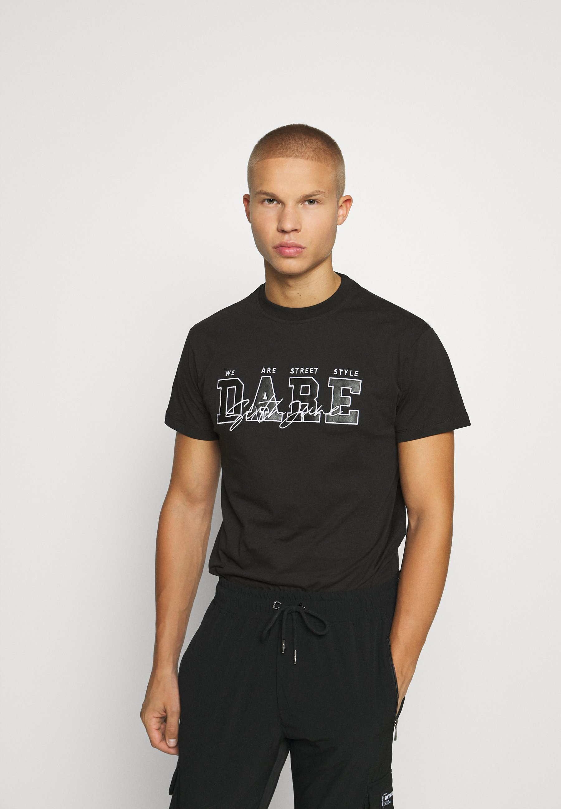 Men DARE TEE - Print T-shirt