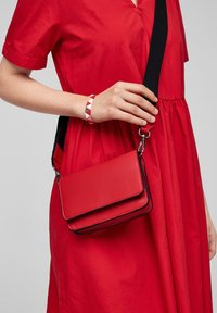 s.Oliver - Sac bandoulière - red - 1