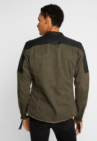 Be Edgy - BEPURE - Summer jacket - khaki /black - 2