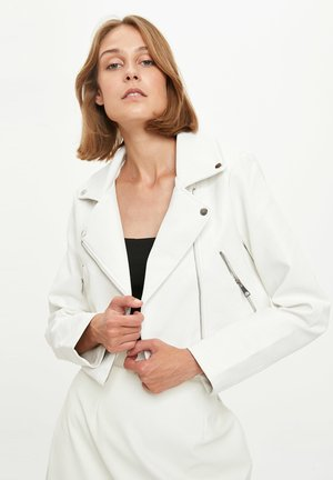 Veste en similicuir - white