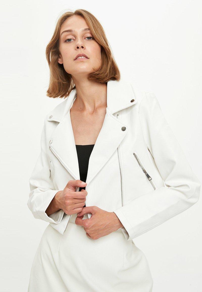 DeFacto - Faux leather jacket - white