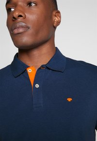 TOM TAILOR - BASIC WITH CONTRAST - Poloshirts - blue - 4