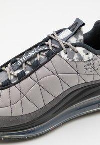 Nike Sportswear - MX-720-818 UNISEX - Zapatillas - enigma stone/black/off noir/iron grey/grey fog/white - 5