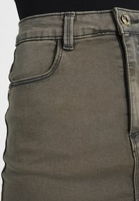 Missguided - SUPERSTRETCH SKIRT  - A-line skirt - khaki - 4