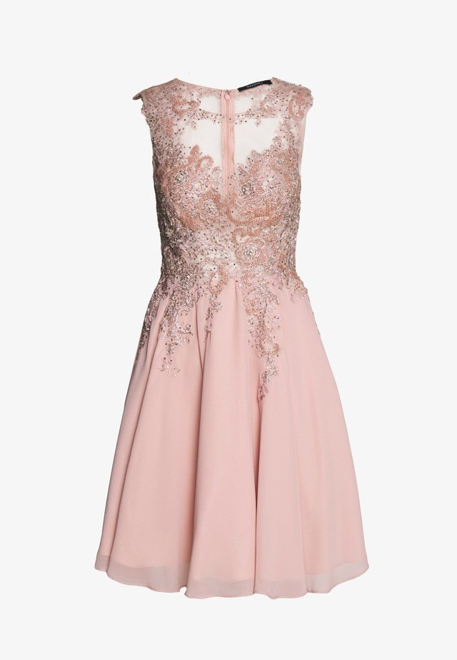 Cocktail dress / Party dress - peach