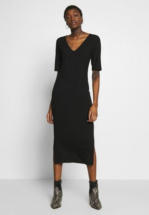 RIBBED V-NECK MIDI DRESS - Denní šaty - black