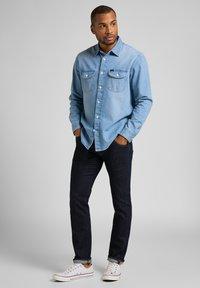 Lee - DAREN ZIP FLY - Jeans straight leg - rinse - 1