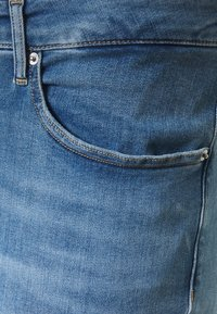 Calvin Klein Jeans Plus - HIGH RISE ANKLE - Jeans Skinny Fit - mid blue - 2