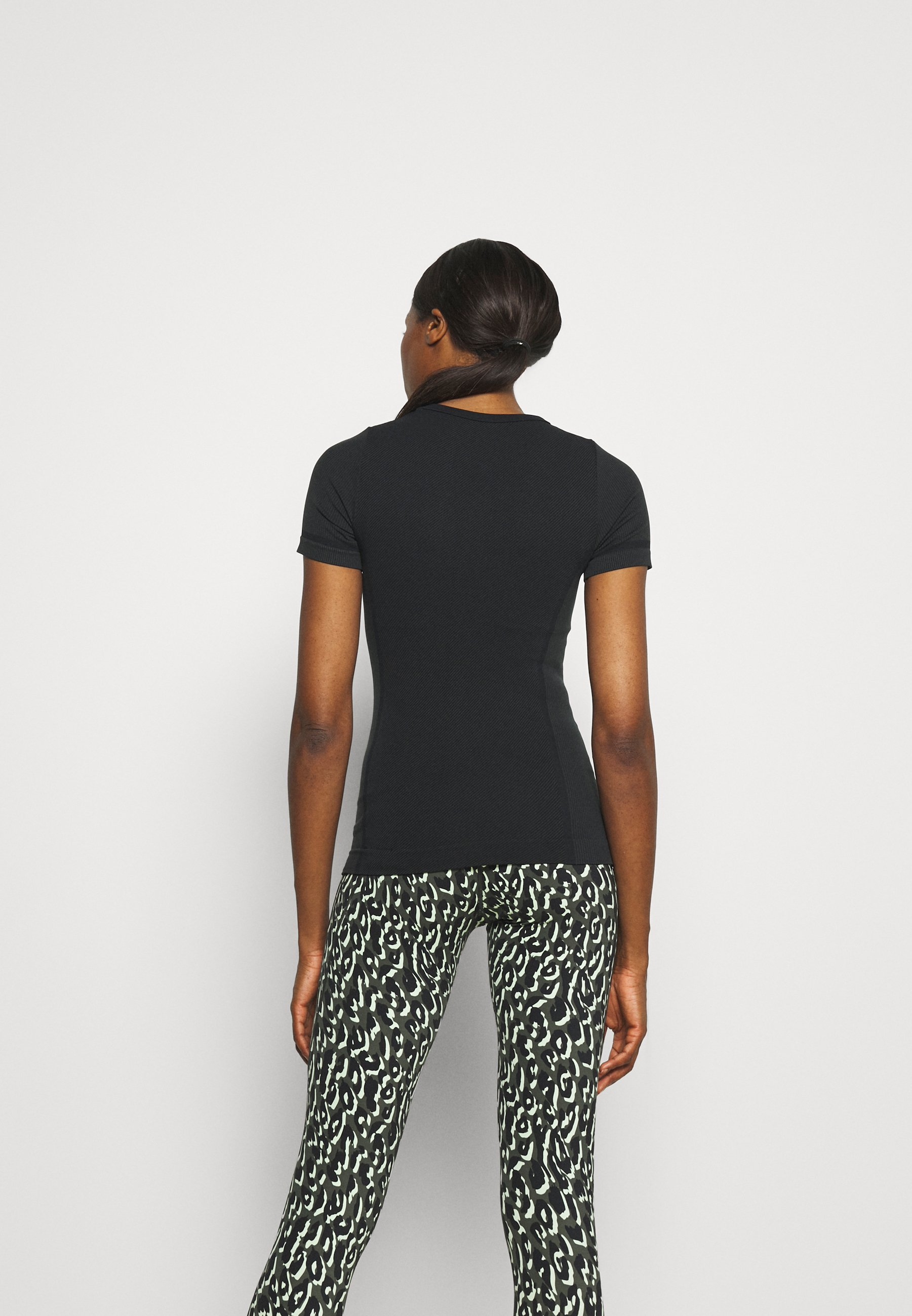 Women SEAMLESS CREWNECK - Print T-shirt