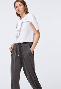 OYSHO - Pantaloni sportivi - dark grey - 4