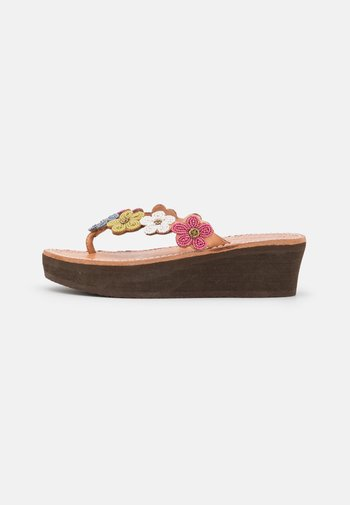 CONLEY WEDGE - T-bar sandals - retro