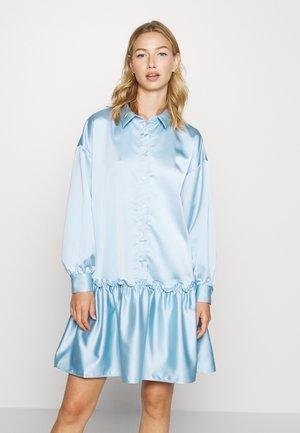 KARIN DRESS - Skjortekjole - blue light