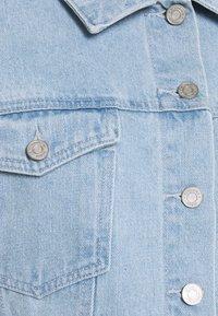 Missguided Petite - COLOURBLOCK CROP JACKET - Denim jacket - blue - 2