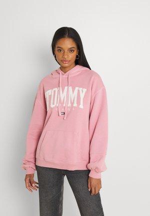 COLLEGIATE HOODIE - Sweatshirt - pink