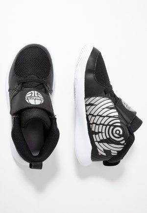 TEAM HUSTLE - Basketbalové boty - black/metallic silver/wolf grey/white