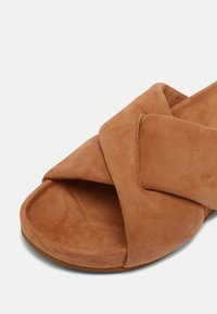 Who What Wear - ALLIE - Mules - camel - 7