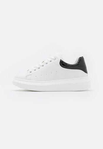 CELESTE - Tenisky - white/black