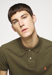 Polo Ralph Lauren - CUSTOM SLIM FIT MESH POLO - Polo shirt - defender green - 5