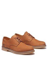 Timberland - OAKROCK LT OXFORD - Sznurowane obuwie sportowe - rust nubuck - 1