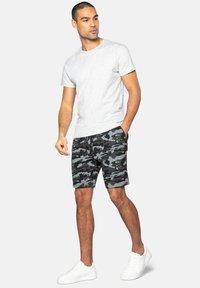 Threadbare - Shorts - grau - 1
