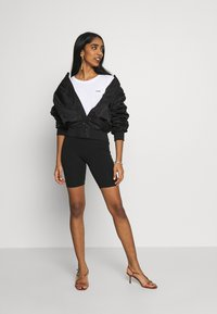 Gina Tricot - BASIC BIKER 2PACK - Shorts - black - 1