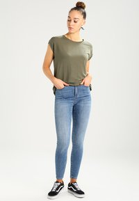 Vero Moda - VMSOPHIA SKINNY  - Jeans Skinny - light blue denim - 1