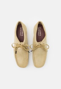 Clarks Originals - WALLABEE - Casual lace-ups - maple - 3