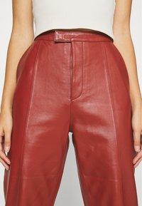 DAY Birger et Mikkelsen - PIGEON - Leather trousers - tulip - 4