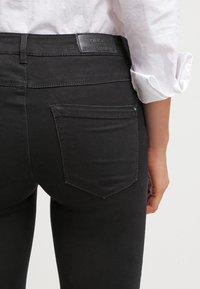 ONLY - ONLROYAL - Jeans Skinny Fit - black - 5