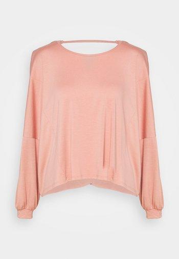 OM - Long sleeved top - blush