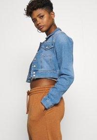 ONLY - ONLNEW WESTA CROPPED JACKET - Denim jacket - light blue denim - 4