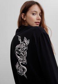 Bershka - MIT PRINT  - Button-down blouse - black - 3