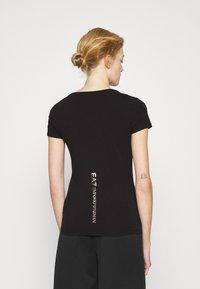 EA7 Emporio Armani - T-Shirt print - black/light gold - 2