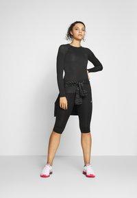 ODLO - CREW NECK PERFORMANCE LIGHT - Camiseta de deporte - black - 1