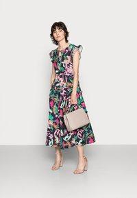 Thought - ESTELLE A-LINE DRESS - Denní šaty - navy - 1