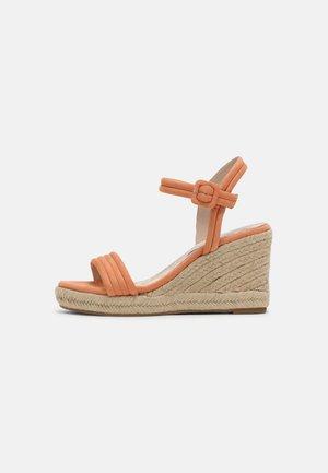 LOUISA - Platform sandals - orange
