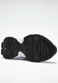 Reebok Classic - EVASION 20 SHOES - Zapatillas - white - 4