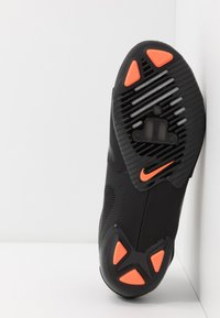 Nike Performance - SUPERREP CYCLE - Cycling shoes - black/metallic silver/hyper crimson - 4