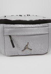 Jordan - ELE JACQUARD CROSSBODY - Bum bag - wolf grey - 2