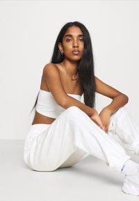 adidas Originals - PANT - Joggebukse - off white - 3