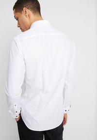 Seidensticker - Formal shirt - white - 2