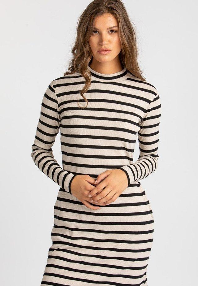 Jumper dress - black and white