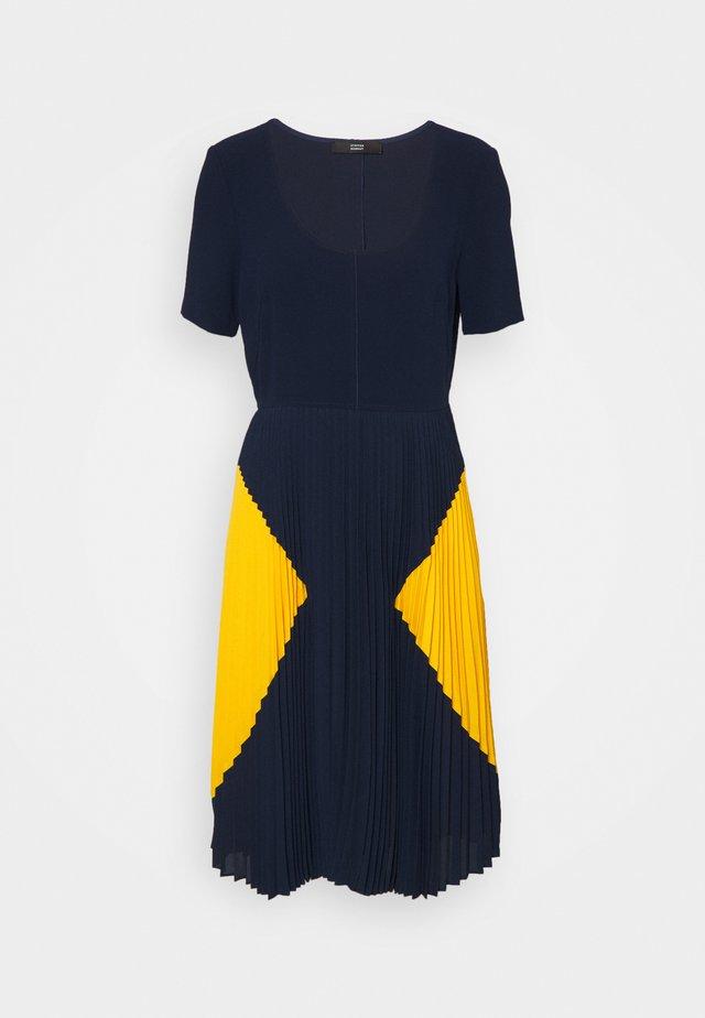 PARIS PLEATED DRESS - Korte jurk - navy sun