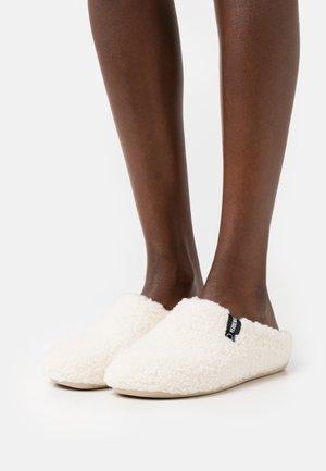 LEXA - Slippers - nairobi/crudo