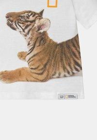 GAP - TODDLER BOY NATIONAL GEOGRAPHIC - T-shirt print - optic white - 2