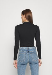 Abercrombie & Fitch - SEAMLESS MOCK BODYSUIT  - Long sleeved top - black - 2