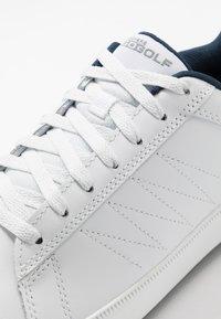 Skechers Performance - DRIVE 4 - Golfové boty - white/navy - 5