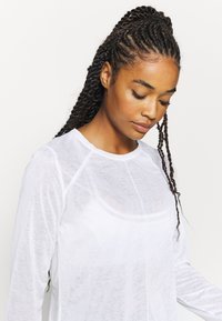 Sweaty Betty - AGILITY WORKOUT - Long sleeved top - white - 3