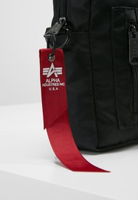 Alpha Industries - CREW CARRY BAG - Across body bag - black - 7