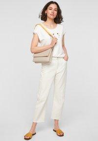 s.Oliver - SAC - Across body bag - light grey - 0